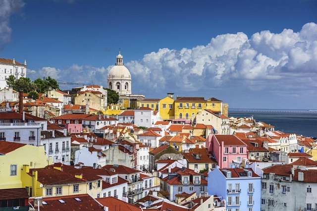 A Quick Guide to Lisbon's 5 Most Colorful Neighborhoods1