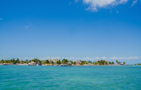 beautiful sight of turquoise water along the coast in caye caulker belize caribbean